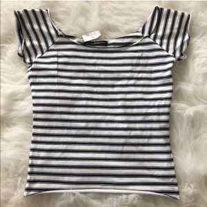 NWT brandy Melville rin semi off the shoulder top
